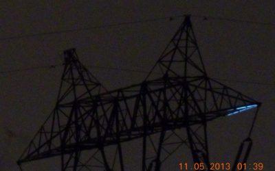 Feux de Saint-Elme sur un pylone électrique humide(11 mai 2013) 057