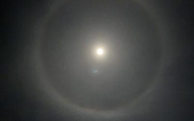Halo lunaire + lens flare le 30 décembre 2020