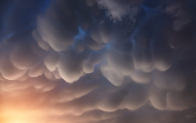 mammatus_clouds_in_the_nepal_himalayas