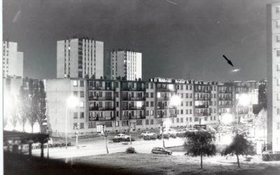Photo prise à Champigny (94) en juinjuillet 1978, reflets dùs au lampadaire en bas à gauche de la photo