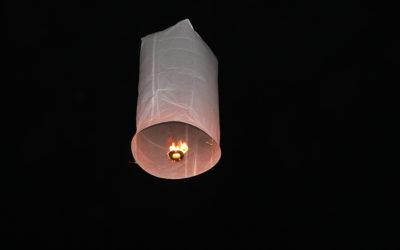 sky_lantern_-_bun_vat_phu_2012